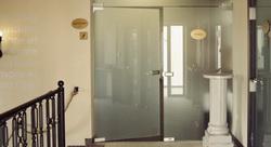 Sklenené dvere na mieru - Dvojkrídlové bezrámové sklenené dvere