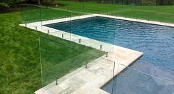 Sklenené zábradlia - Bezrámové bazénové zábradlia