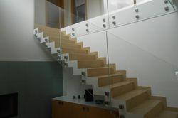 Sklenené zábradlia - Stĺpikové zábradlia so sklenenou výplňou